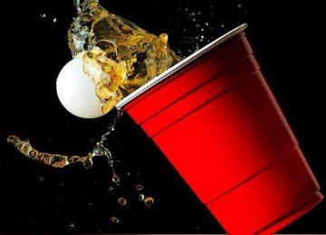 בר עם משחקי שתייה